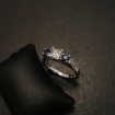 princess-diamond-cey-sapphires-18ctwhite-gold-engage-ring-09151.jpg