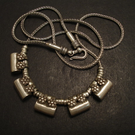 tribal-cylinder-bead-5-old-silver-necklace-09245.jpg