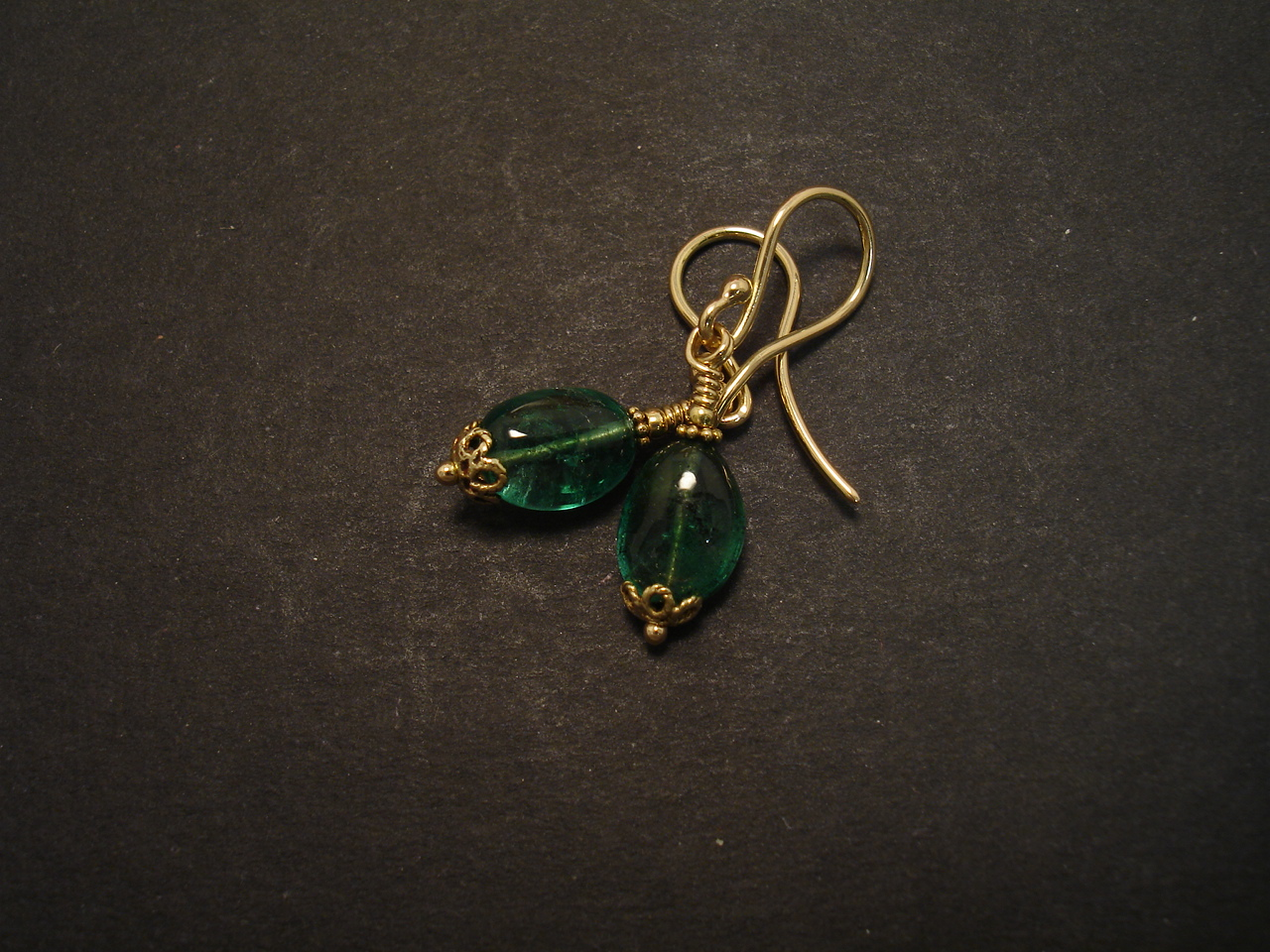 emerald pebbles 18ct gold earrings christopher