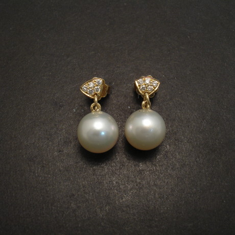 south-sea-pearls-10mm-18ctgold-earrings-diamonds-06390.jpg