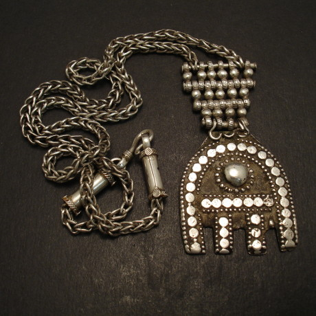oman-tribal-silver-hand-pendant-chain-09306.jpg