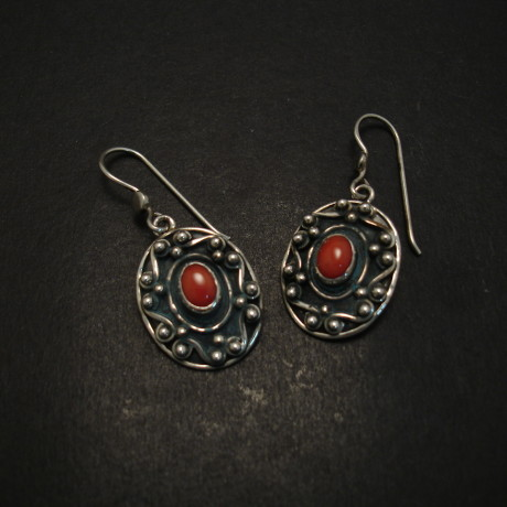 oval-corals-7x5mm-silver-handmade-earrings-07140.jpg
