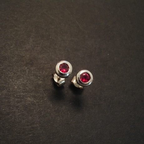 ruby-earstuds-.38ct-18ctwhite-gold-09383.jpg