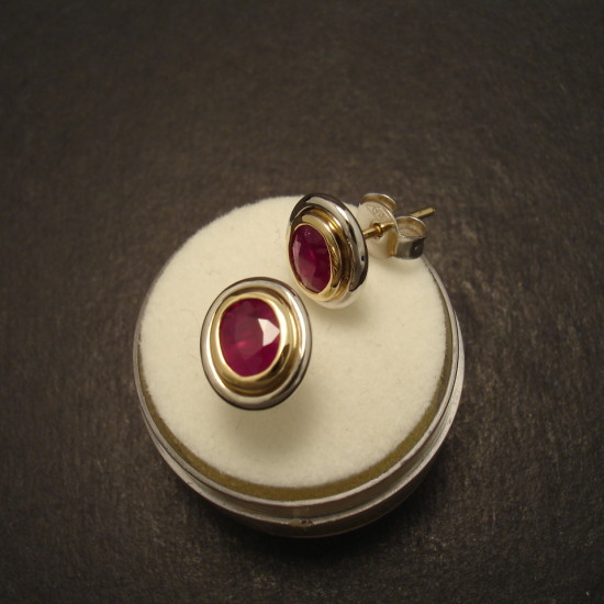 matched-burmese-ruby-oval-2tone-18ctgold-earstuds-09702.jpg