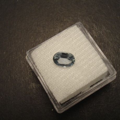 teal-coloured-sapphire-135ct-oval-mad-09614