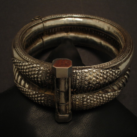 hinged-tribal-silver-double-bracelet-09399.jpg
