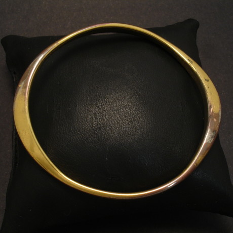 gold-copy-customers-base-metal-bangle-00040.jpg