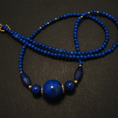 superior-lapis-lazuli-9ctgold-necklace-15mm-02920.jpg