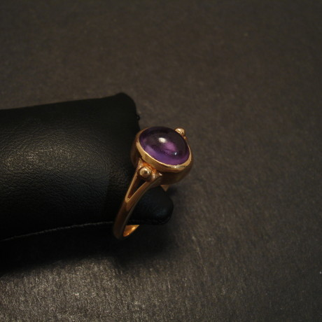 victorian-gold-ring-design-9ct-8x6cab-amethyst-09774.jpg