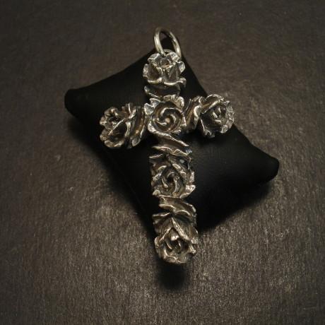 english-cross-roses-sterling-silver-pendant-09981.jpg