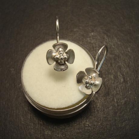 four-petal-silver-earring-fixed-09985.jpg