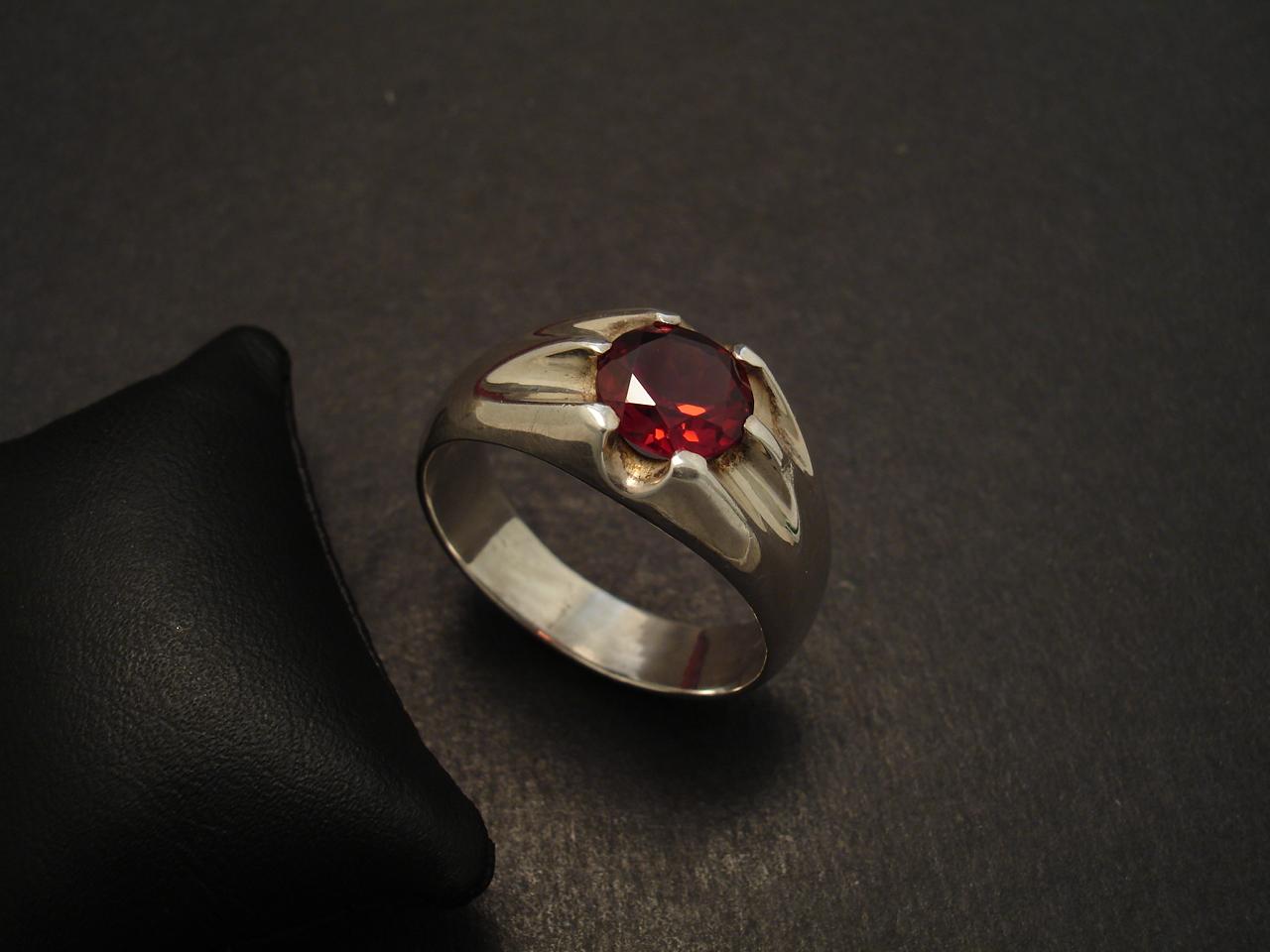 Mens Dress Ring Superb Garnet Amp Silver Christopher