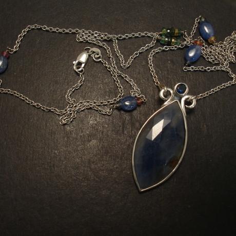 sapphire-marquise-9ctwhite-gold-pendant-chain-09814.jpg