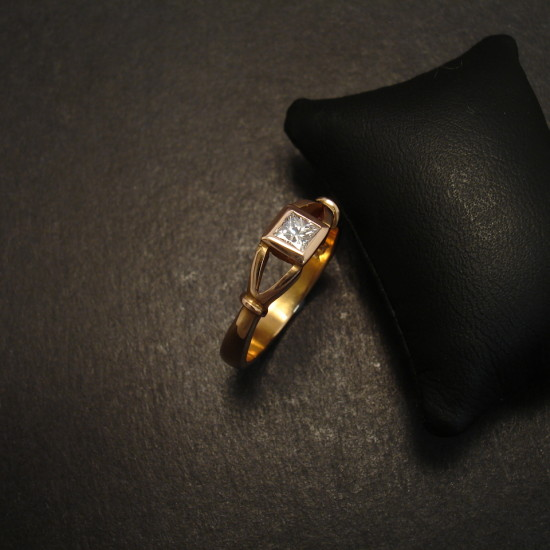 18ct-rose-gold-ring-princess-21pt-diamond-09691.jpg