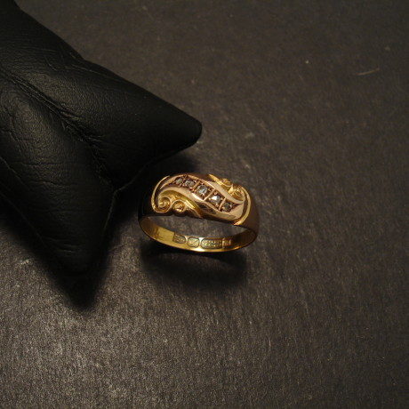 chester-antique-15ctgold-5diamond-ring-09886.jpg