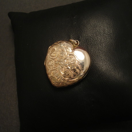 engraved-gold-antique-heart-locker-09872.jpg