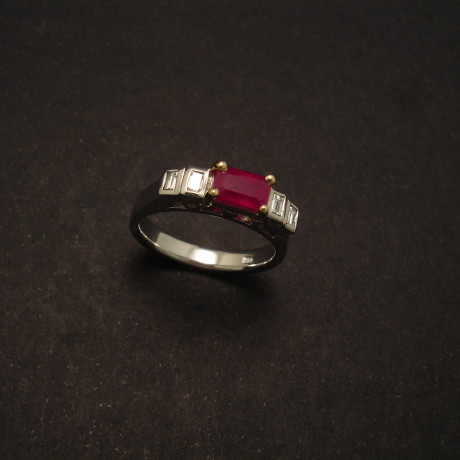 81ct-ruby-baguette-diamonds-18ct-gold-tomw&y-00180.jpg