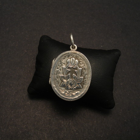 locket-english-antique-silver-1904-small-oval-00151.jpg