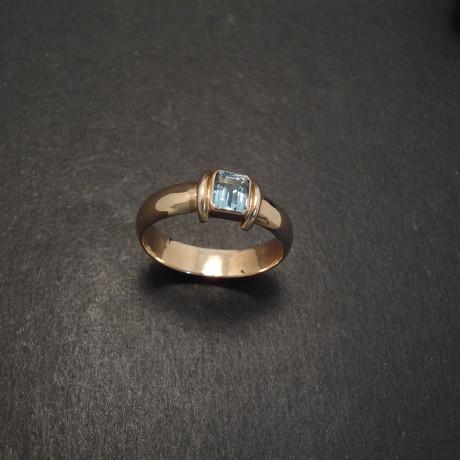 aquamarine-baguette-5x4-9ctrose-gold-ring-06756.jpg