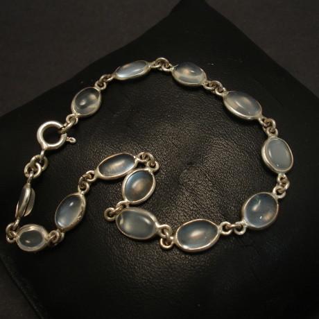 ceylon-moonstones-silver-bezel-bracelet-00303.jpg