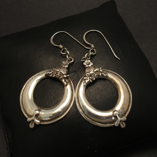 neoclassical-design-silver-earrings-00307.jpg