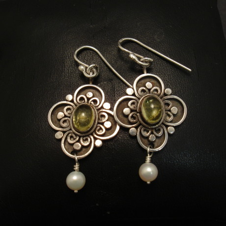 tourmaline-silver-pearl-drop-earrings-jp-00311.jpg
