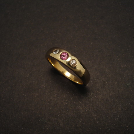 white-sapphires-rhod-garnet-9ctgold-ring-00323.jpg