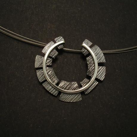 industrial-silver-pendant-3filament-01540.jpg