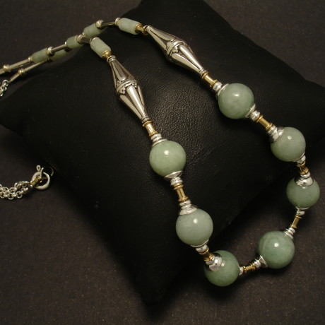 natural-jade-light-green-burmese-silver-necklace-01480.jpg