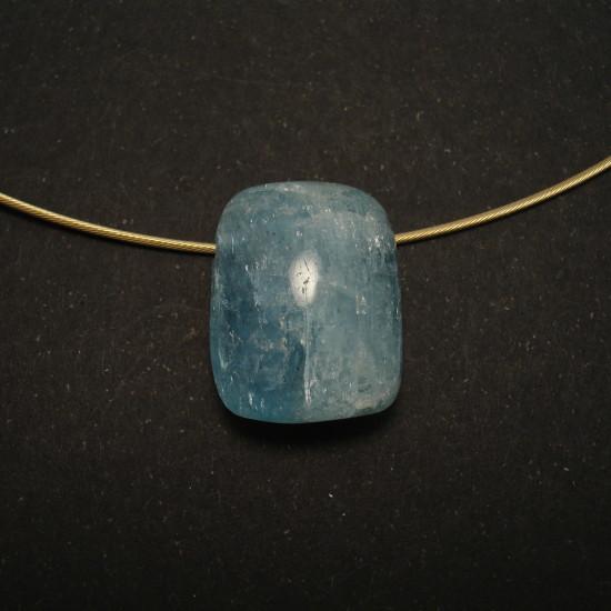 28ct-aquamarine-cushion-9ctgold-cable-chain-01533.jpg