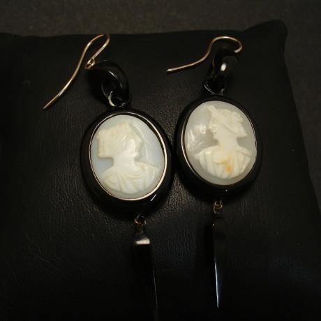 jet-cameo-antique-earrings-9ctgold-hooks-01635.jpg