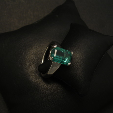 handmade-platinum-custom-ring-312ctbag-emerald-01713.jpg
