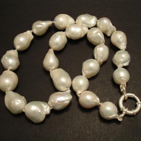 large-baroque-freshwater-pearl-silver-nex-02304.jpg