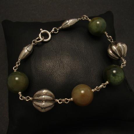 superfine-agates-silver-bead-bracelet-01936.jpg