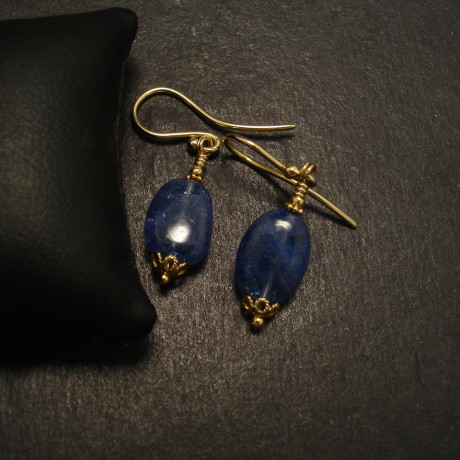 tanzanite-pebble-beads-18ctgold-earrings-09953.jpg