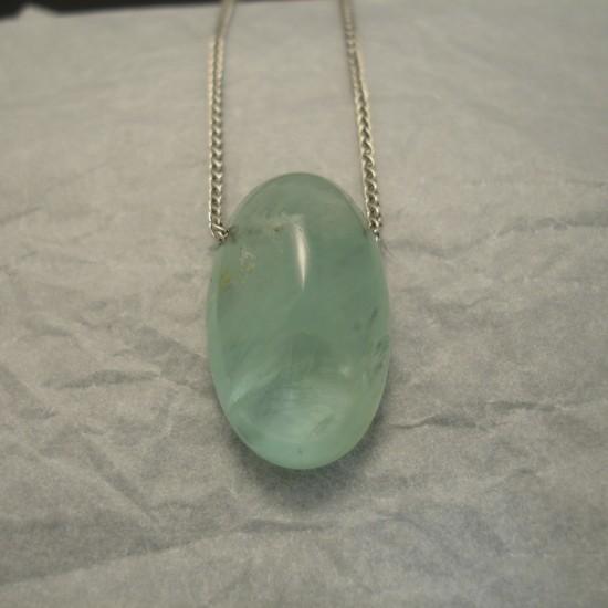 30ct-aquamarine-cushio-9ctgold-chain-03832.jpg