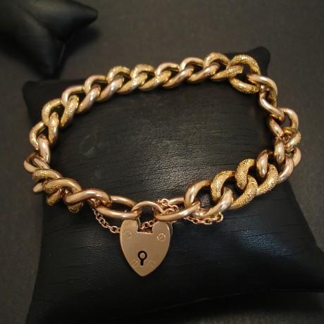 antique-curb-link-9ctgold-padlock-bracelet-03611.jpg