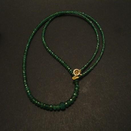 cut-emerald-bead-necklace-9ctgold-clasp-02909.jpg