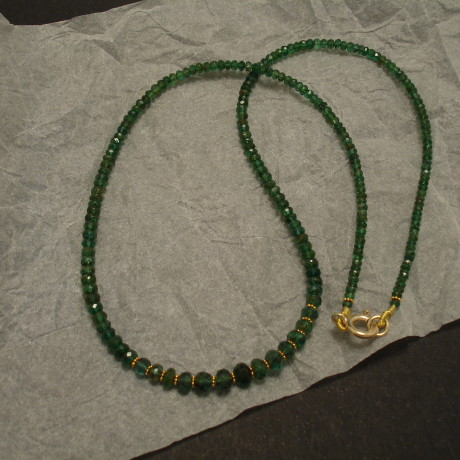 cut-emerald-bead-necklace-gold-finish-02181.jpg