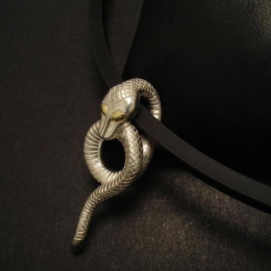 silver-snake-pendant-handcrafted-sydney-01994.jpg