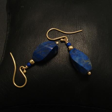 twist-cut-lapis-lazuli-9ctgold-earrings-02207.jpg