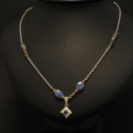 unique-sapphire-9ctwhite-gold-necklace-02023.jpg