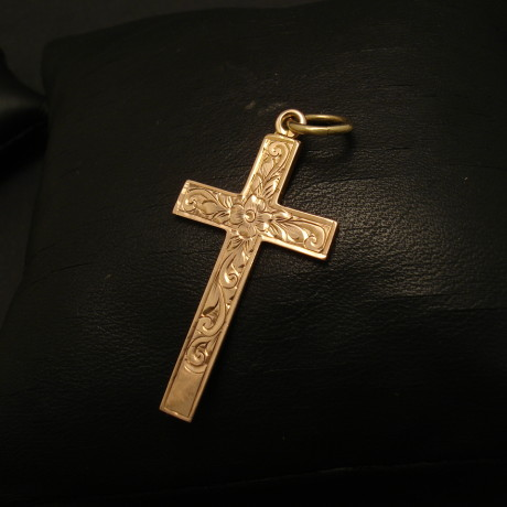year-1928-hallmark-english-9ctgold-cross-02092.jpg