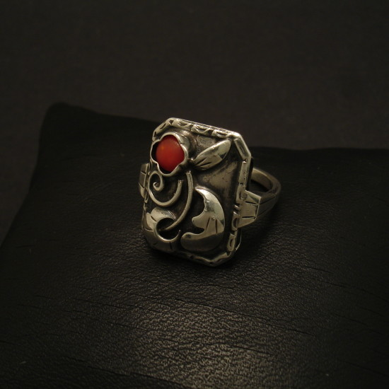 1930s-french-silver-coral-ring-02095.jpg