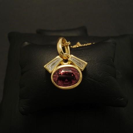 finest-pink-tourmaline-diamonds-18ctgold-pendant-02896.jpg