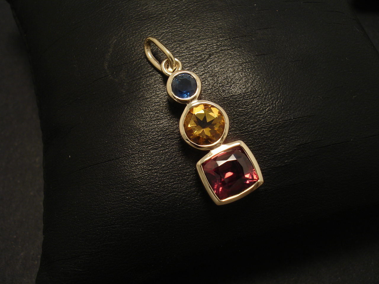 Natural Zircon Citrine Sapphire Handcrafted Gold Christopher Yellow 9ctgold Pendant 02220