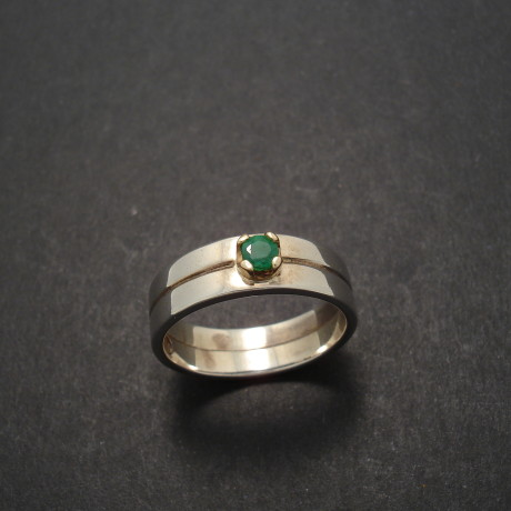 10ct-natural-emerald-9ctgold-4-claw-silver-ring-02163.jpg