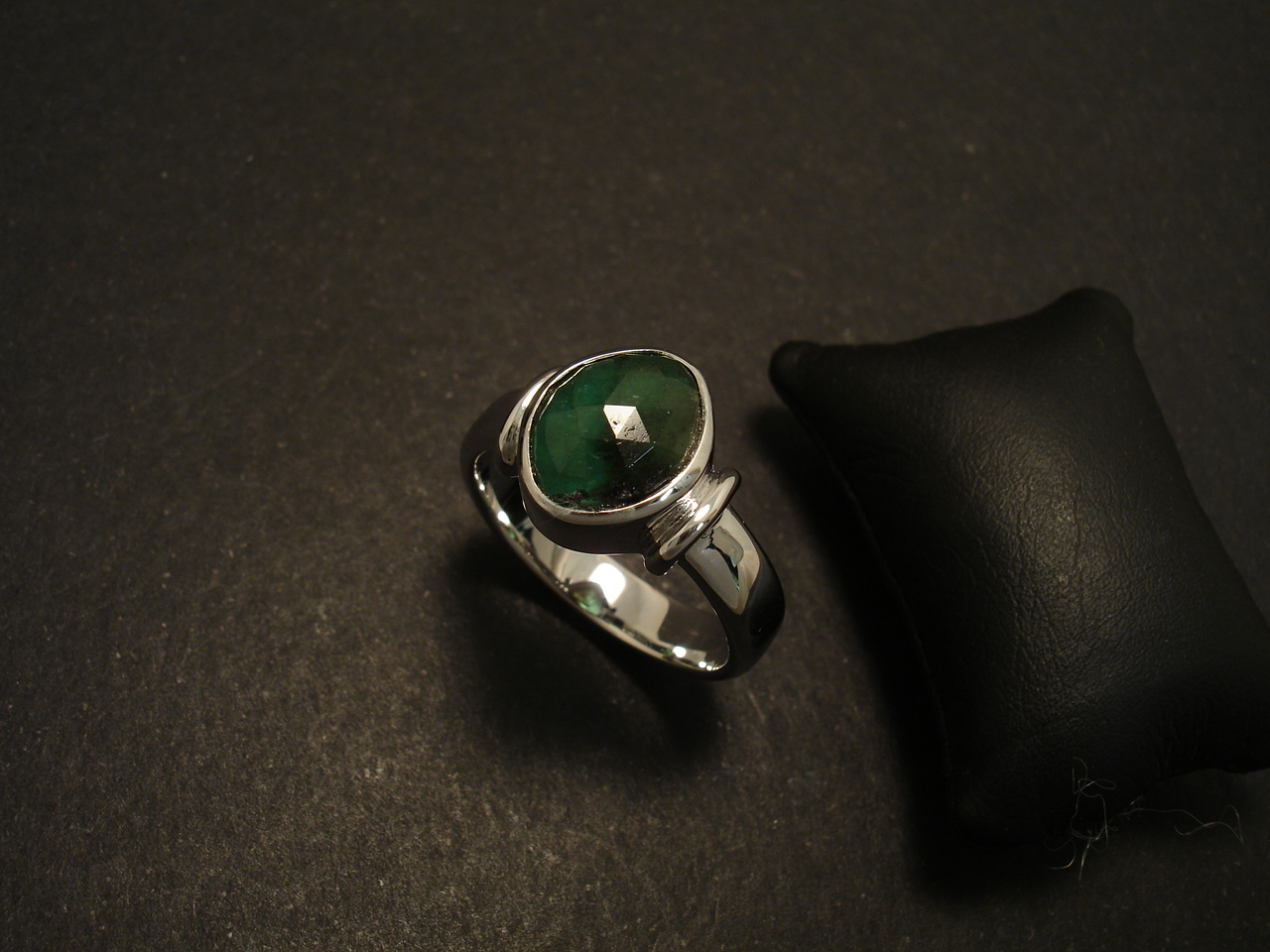 3 07ct Natural Emerald Handmade White Gold Ring