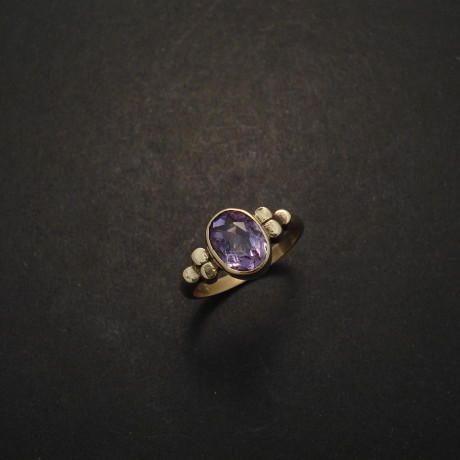 clear-brazilian-amethyst-9ctgold-ring-03456.jpg