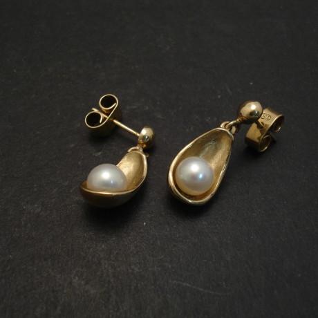 cupped-pearl-9ctgold-earstud-drops-06807.jpg